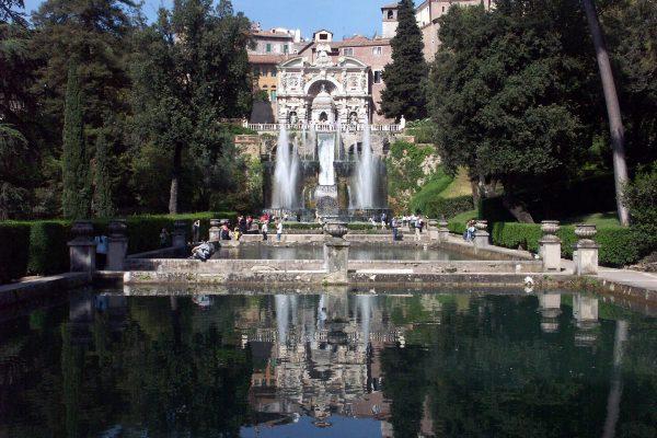 Tivoli,_Villa_d_Este,_Querachse_mit_Neptunbrunnen_und_Wasserorgel_2